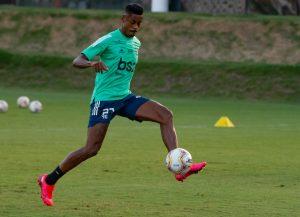 Bruno Henrique treinando no Fla hoje