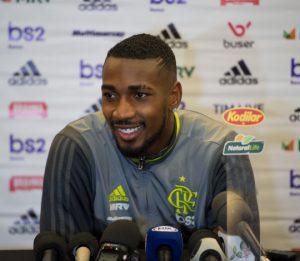 Gerson em entrevista no Flamengo