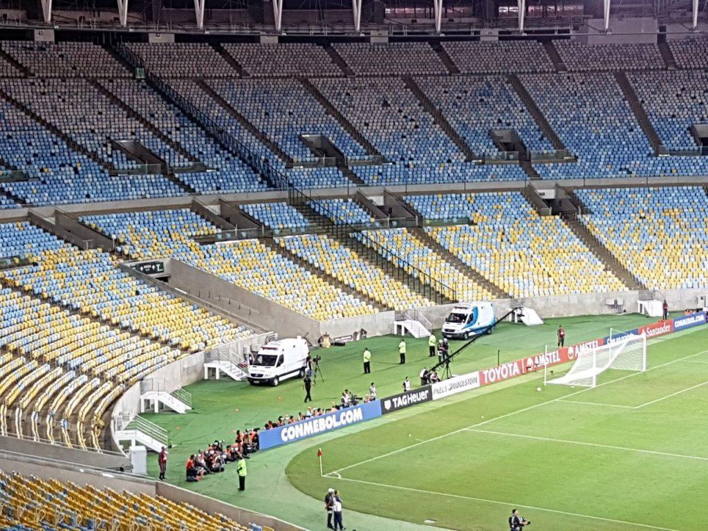 Governo do Rio libera retorno do público nos estádios