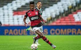 Empresário de Bruno Henrique afirma não ter recebido contato do Benfica e  diz: 'Não é inegociável'   LANCE!